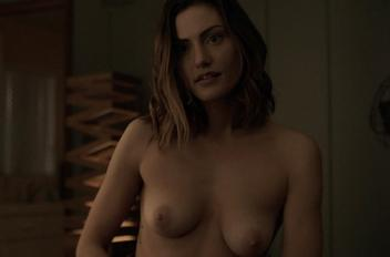 Phoebe tonkin topless c825be48 thumbnail