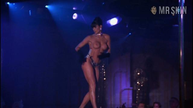 Stripteaser moore hd 04 large thumbnail 3 override