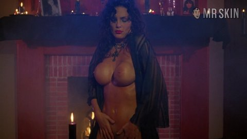 Sorceress juliestrain hd 02 large 4