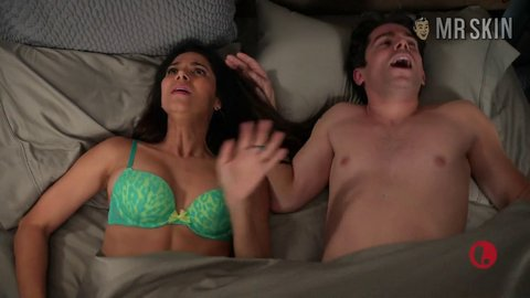 Deviousmaids 04x06 sanchez hd 01 large 1
